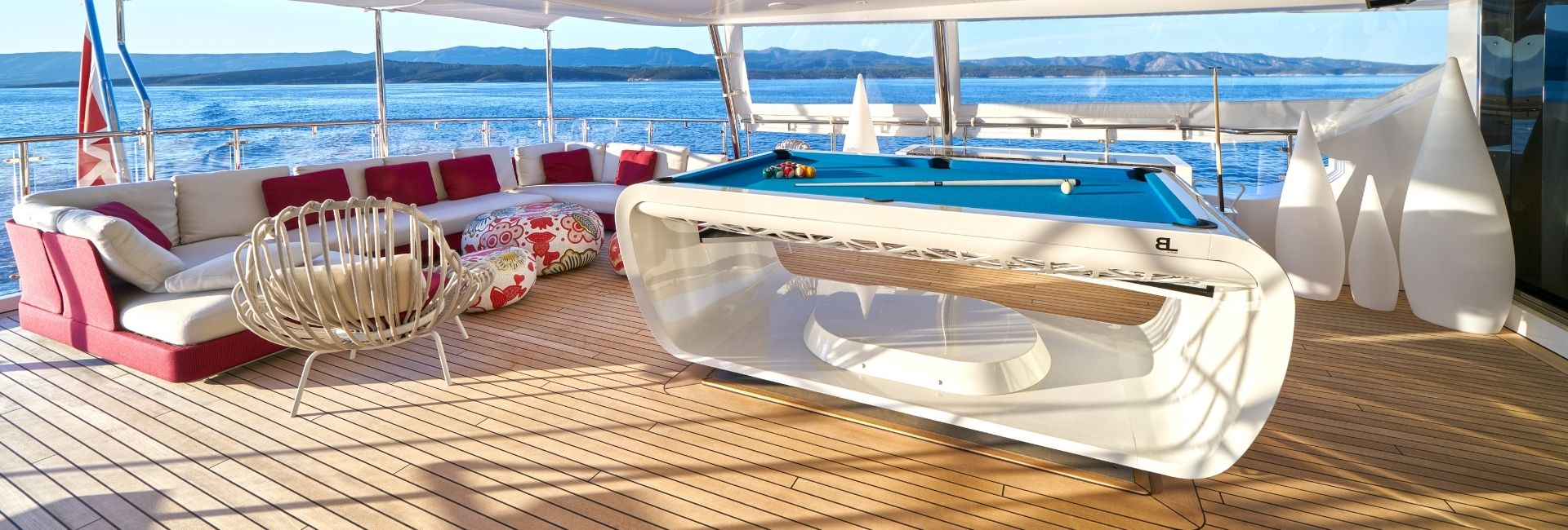 Install a pool table on yacht luxury - Billards Toulet